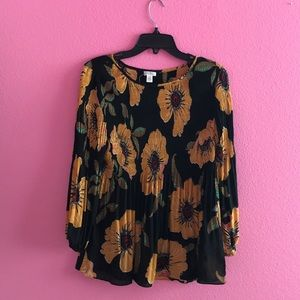 NWT Spense floral large top